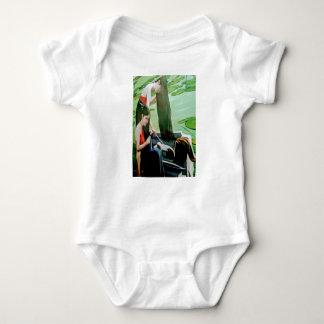 Waschendes Haar Vietnam-Frau Baby Strampler