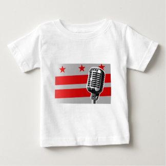 Washington DC-Flagge und Mikrofon Baby T-shirt