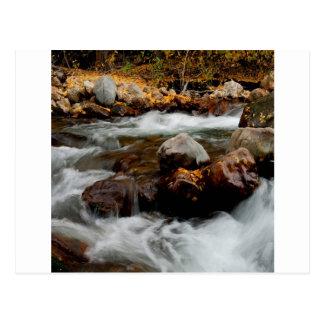Wasser-Fluss-Fließen seewärts gerichtet Postkarte