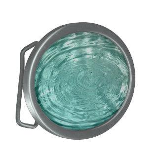 Wasser lässt Wellenkräuselungen Gürtelschnalle fal
