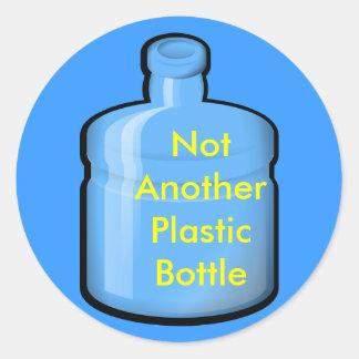 Wasser, nicht eine andere Plastikflasche Runder Aufkleber