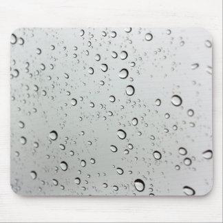 Wasser-Tropfen auf Glas Mousepad