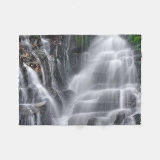 Wasserfall Fleecedecke