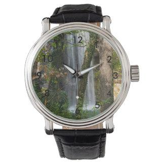 Wasserfall im Holz Armbanduhr