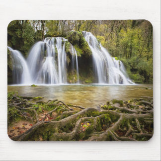 Wasserfall im Wald Mousepad