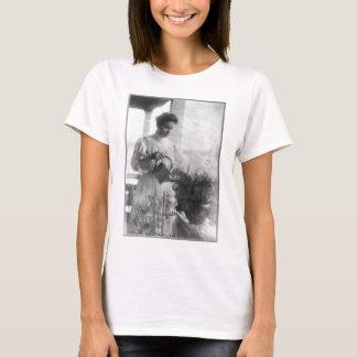 WässernPflanzen-Porträt Helens Keller T-Shirt