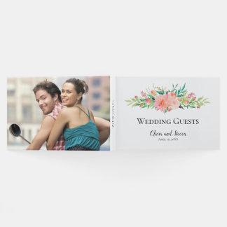 Watercolor-Blumenblumenstrauß mit Ihrem Foto Gästebuch