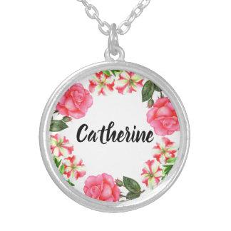 Watercolor-rosa Blumen-Kreiswreath-Entwurf Versilberte Kette
