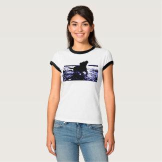 Wecker-T - Shirtschwarz-Labrador der Frauen im T-Shirt