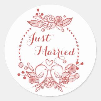 Wedding Blumenburgunder gerade verheiratete rote Runder Aufkleber