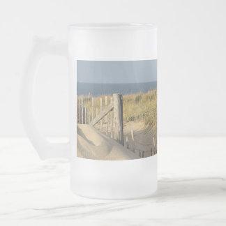 Weg durch die Dünen, zum des Punkt-Strandes zu Mattglas Bierglas