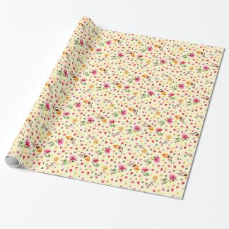 Weibliche Watercolor-Herzen und Blumen Einpackpapier