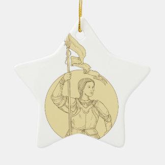 Weiblicher Ritter, der das Flaggen-Kreis-Zeichnen Keramik Ornament