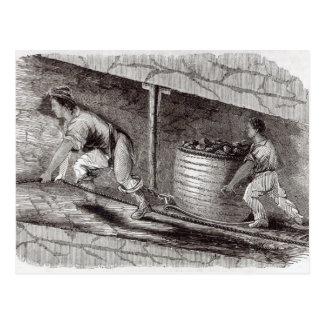 Weibliches Fach in einer Kohle-Grube in wenigem Postkarte