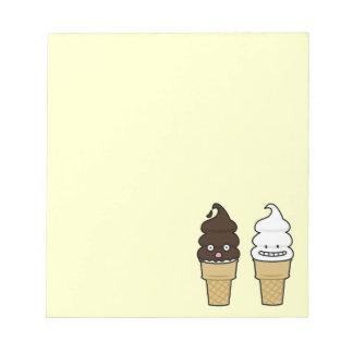 Weiche Aufschlags-Eistüteoblate-Schokoladenvanille Notizblock