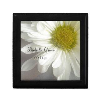 Weiche weißes Gänseblümchen-Hochzeits-Geschenkboxe Kleine Quadratische Schatulle