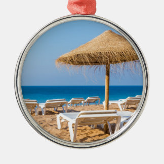 Weidensonnenschirm mit Strand beds.JPG Silbernes Ornament