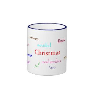Weihnachten auf der ganzen Welt im Weiß und in der Ringer Tasse