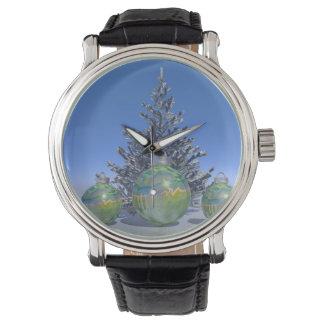 Weihnachten und Bälle und Baum Armbanduhr