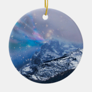 Weihnachtsabends-Berge Rundes Keramik Ornament