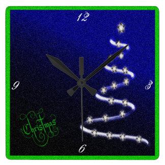Weihnachtsbaum und Sterne - Quadratische Wanduhr