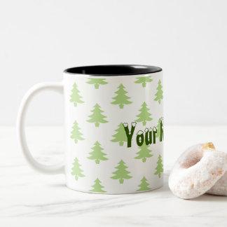 Weihnachtsbäume und Ihr Name hier Zweifarbige Tasse