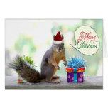 Weihnachtseichhörnchen mit Weihnachtsgeschenken