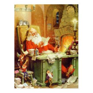 Weihnachtsmann, der eine Liste, es zweimal Postkarte