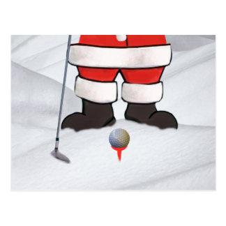 Weihnachtsmann, der Golf im Schnee spielt Postkarte