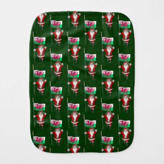 Weihnachtsmann mit Fahne von Wales Baby Spucktuch