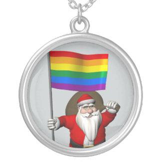 Weihnachtsmann mit Gay Pride-Regenbogen-Flagge Versilberte Kette