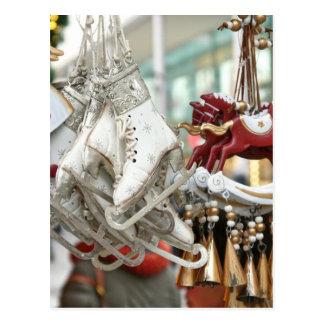 Weihnachtsmarkt-kaufende festliche Szene Postkarte
