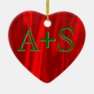 Weihnachtspaar-Monogramm-Initialen-rotes Grün Keramik Herz-Ornament