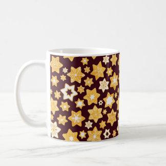Weihnachtsplätzchen-Kranz mit Kaffeetasse