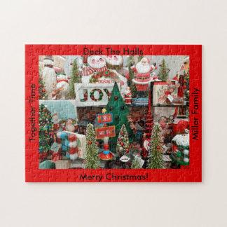 Weihnachtspuzzlespiel IHRE NAMENSplattform die Puzzle
