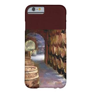 Wein-Fässer im Weinkeller Barely There iPhone 6 Hülle