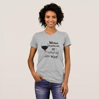 Wein verbessert mit Alter, das ich mit Wein-T - T-Shirt