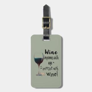 Wein verbessert mit Alter, das ich mit Wein-Umbau Kofferanhänger