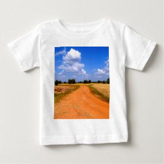 Weise auf dem Bauernhof Baby T-shirt