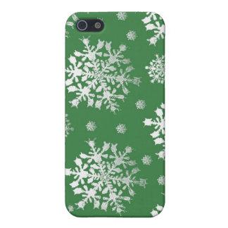 Weiß auf grünem Schneeflocke-Entwurf Schutzhülle Fürs iPhone 5