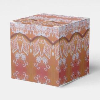 Weiß-Blätter auf orange Bevorzugungskasten Geschenkschachtel