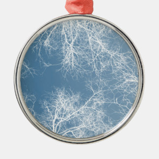 Weiß silhouettierte Bäume Silbernes Ornament