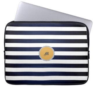 Weiß- u. Marineblauseeseemannstreifen Laptop Sleeve