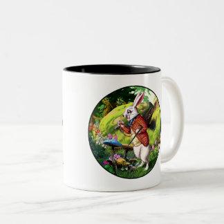 """Weiße """"Alice im Wunderland-"""" Ostern-Tassen des Zweifarbige Tasse"""