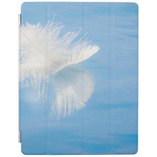 Weiße Feder denkt über Wasser | Seabeck, WA nach iPad Smart Cover