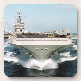 Weiße Flugzeugträger-Korken-Untersetzer
