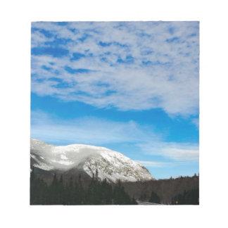 Weiße Gebirgsblauer Himmel-Landschaft Notizblock