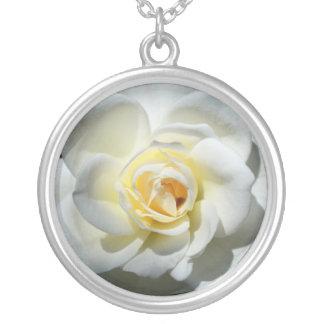 Weiße Hochzeits-Rosen-Halskette