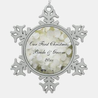 Weiße Hydrangea-Blumen-erste Weihnachtshochzeit Schneeflocken Zinn-Ornament