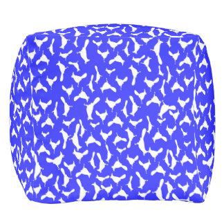 Weiße Jay auf Blau Kubus Sitzpuff
